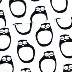 Nukkuvat pöllöt trikoo, mustavalkoinen